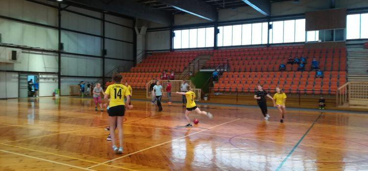 Gminne Mistrzostwa wp.nożną dziewcząt kl. VII – VIII