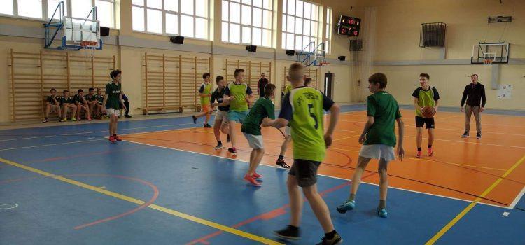 Mistrzostwa Gminne wpiłce koszykowej kl. VII-VIII